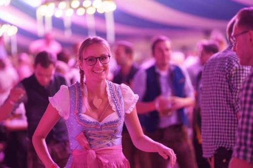 Kai Behrendt Oktoberfest Schwerin Online Res - 004 - 09128