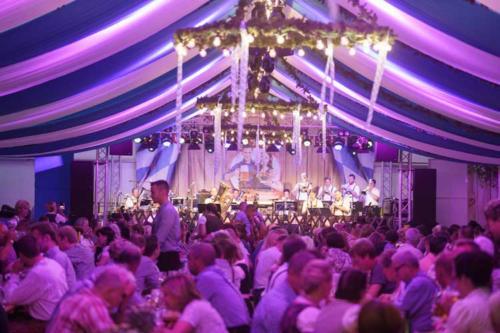 Kai Behrendt Oktoberfest Schwerin Online Res - 053 - 08372