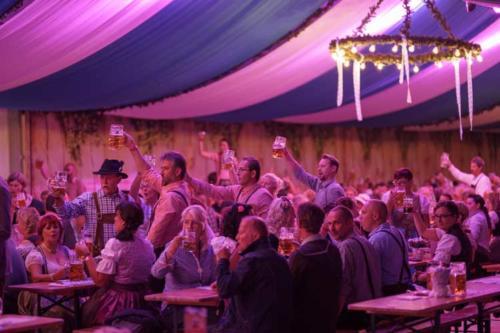 Kai Behrendt Oktoberfest Schwerin Online Res - 059 - 08463