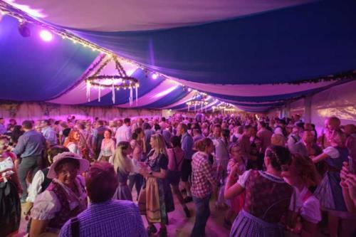 Kai Behrendt Oktoberfest Schwerin Online Res - 087 - 00323